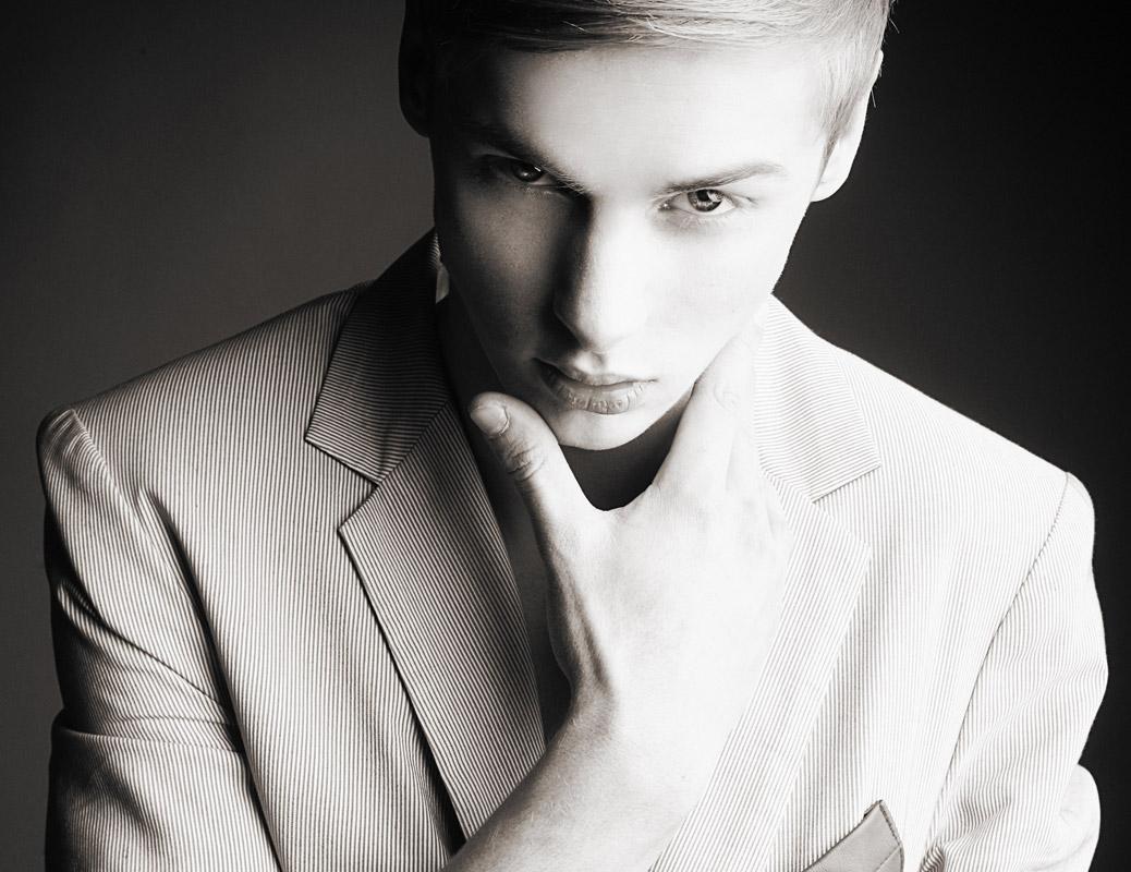 Dominic Acosta Archives - MM Scene : Male Model Portfolios