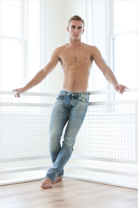 image Hot twink dustin cooper wants to give older