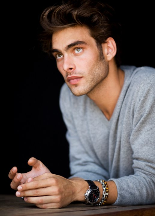 ... models Milano , Jon Kortajarena , Success Models , Wilhelmina Models