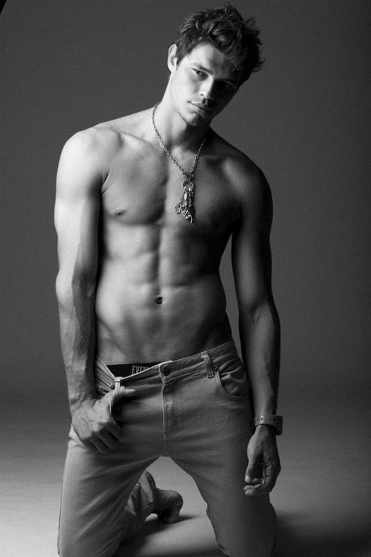 Мужчины модели голые фото