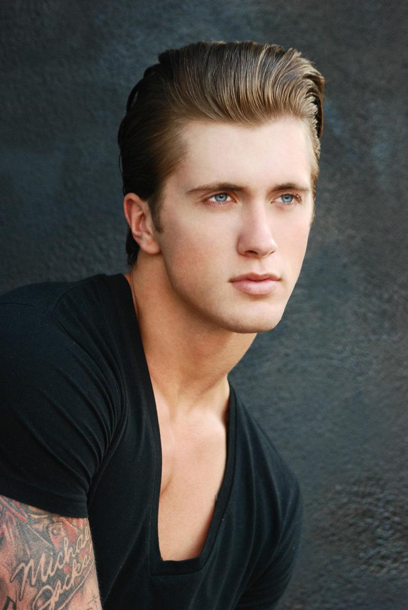 Daniel osborne by michael freeby for male model scene for Da n