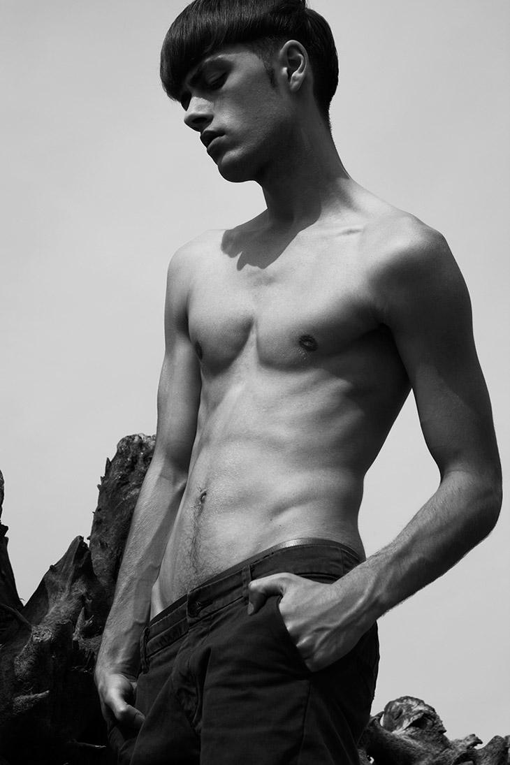 Picture About Male Model Scene of Przemek Dunayev Captured by  Bartek Jablonski