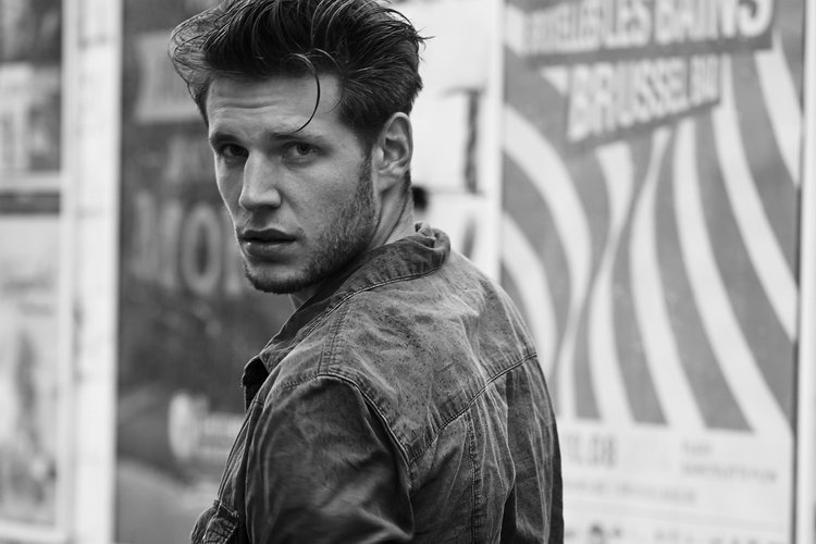 Flag Models Jan Malinowski