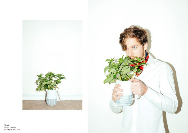 Tom-Farrelly-Laura-Marii-Male-Model-Scene-03