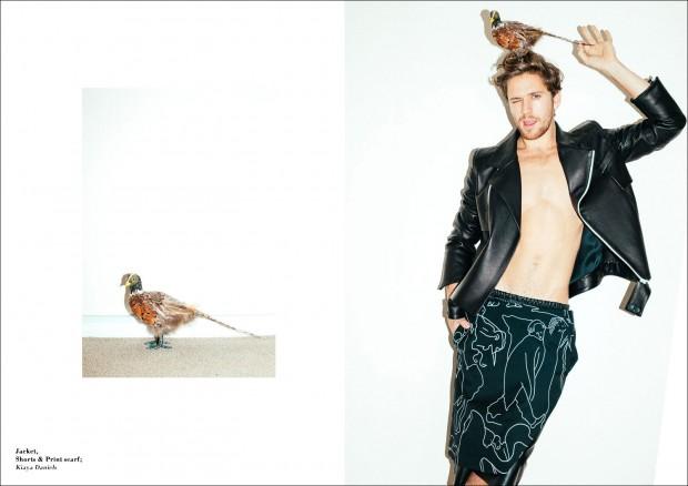 Tom-Farrelly-Laura-Marii-Male-Model-Scene-07