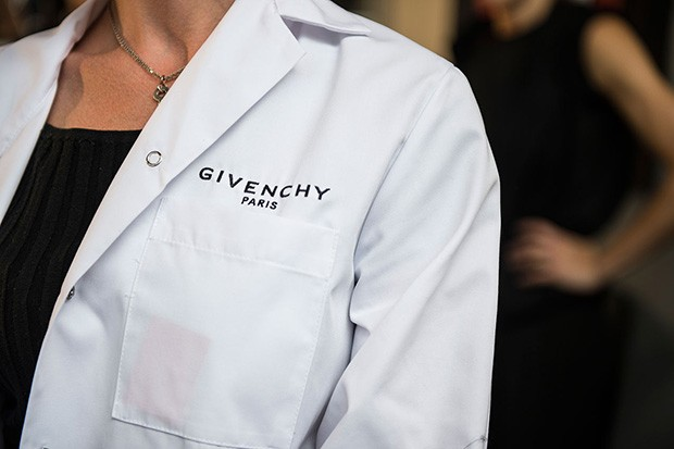givenchy-ss16-backstage (8)